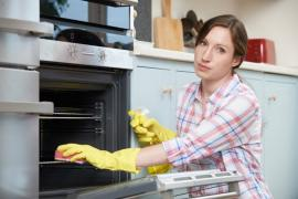How to Clean Your Oven in Finchley Easily